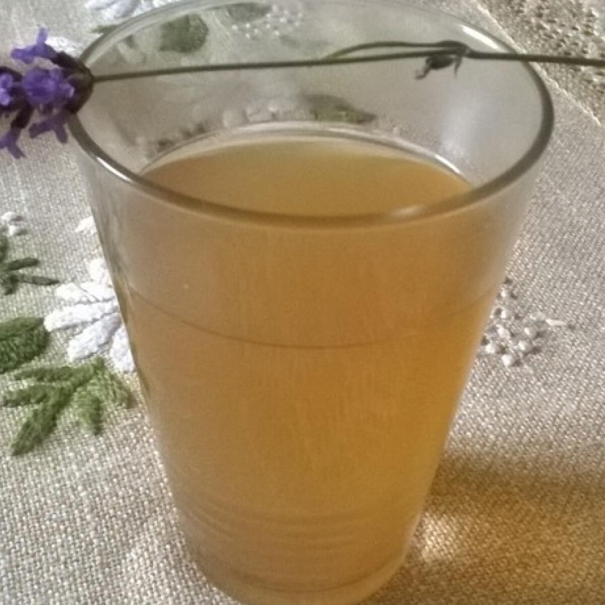 Ezen a képen: Levendulás gyömbéres tea