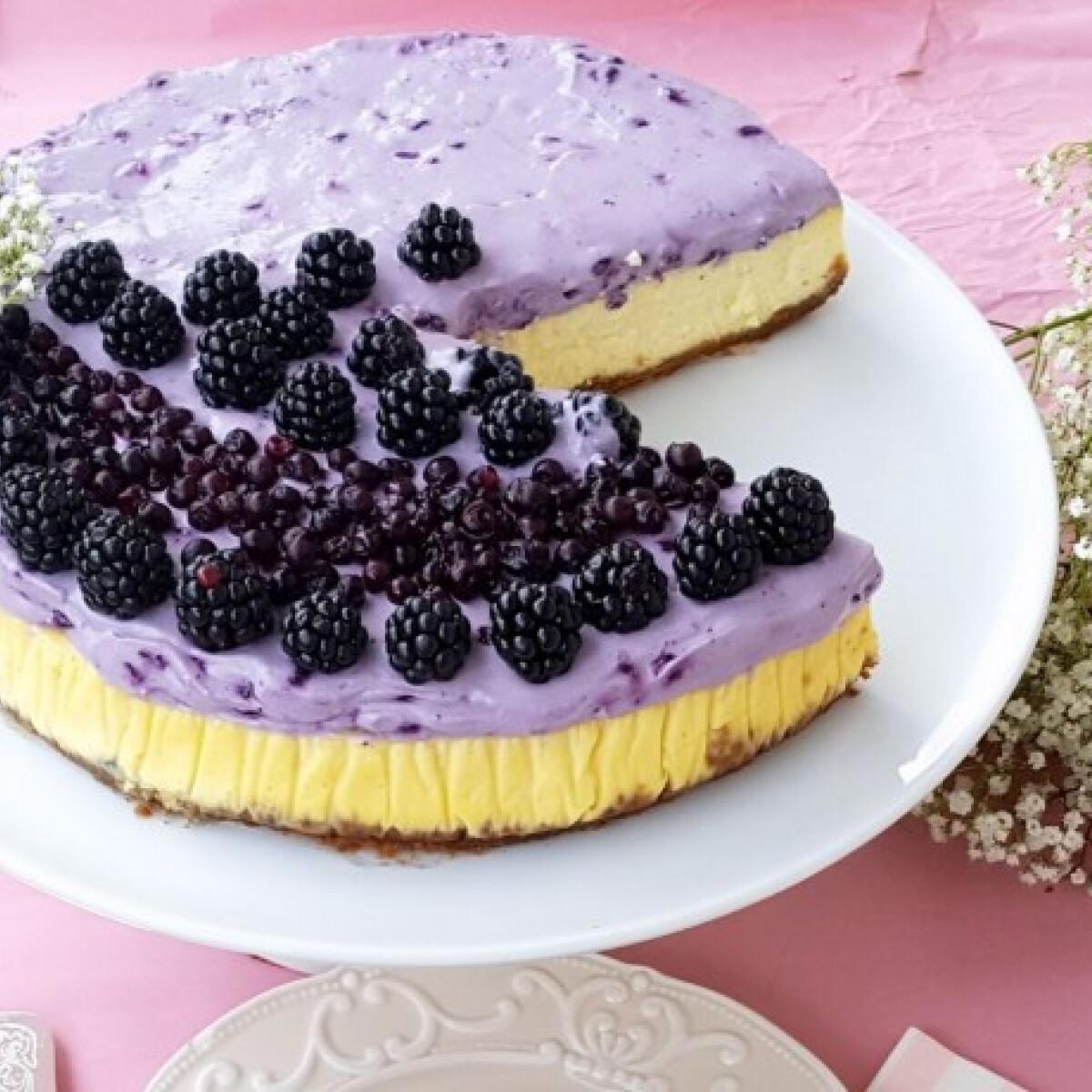 Áfonyahabos cheesecake