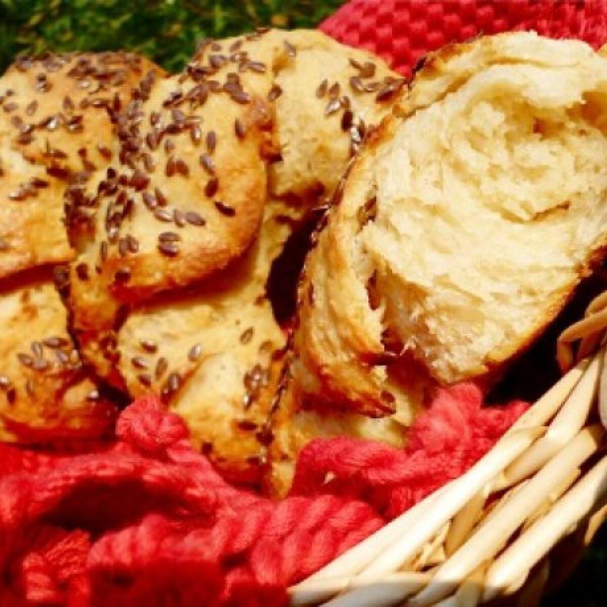 Ezen a képen: Vadkovászos barna kifli tang zhonggal