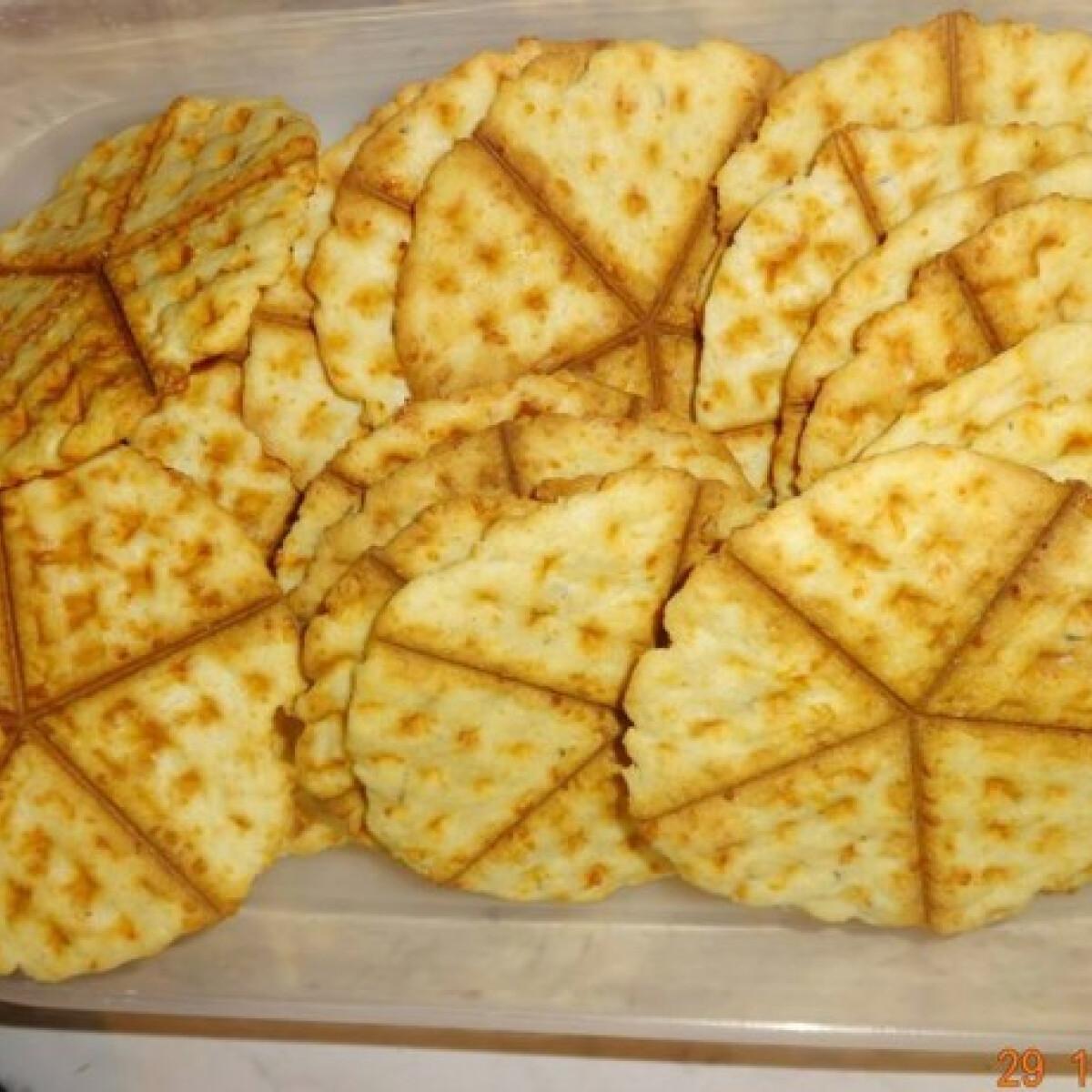 Ezen a képen: Szénhidrátcsökkentett sajtos tallér
