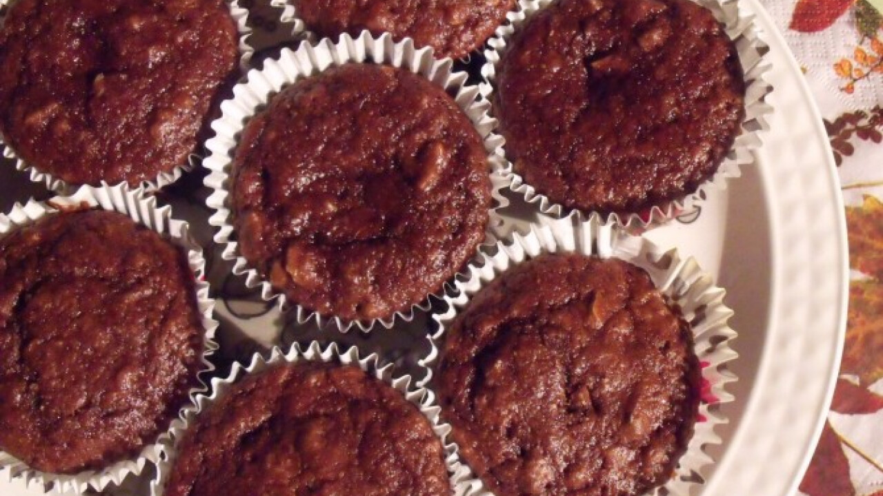 Csokoládés-meggyes-diós muffin