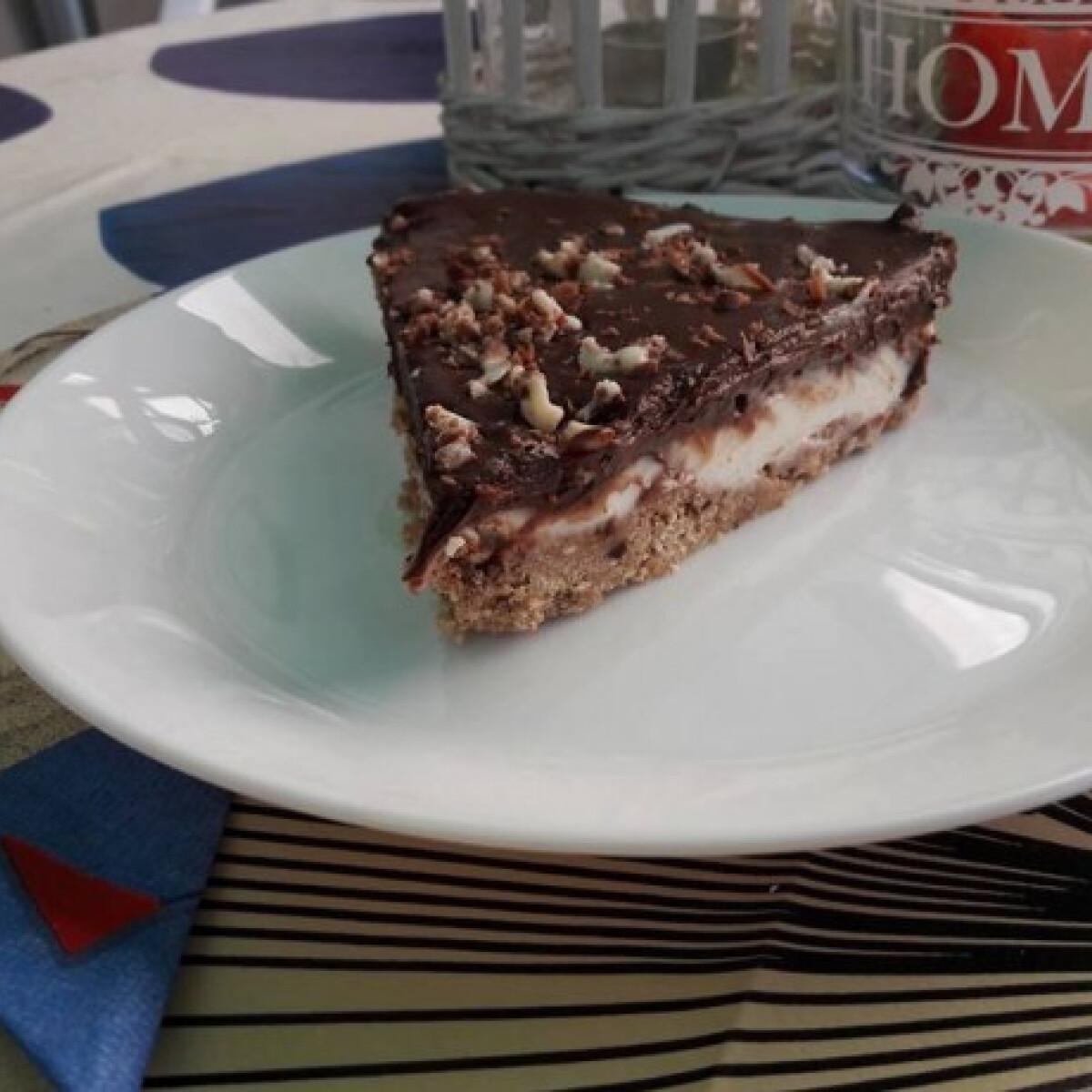 Ezen a képen: Sütés nélküli csokikrémes torta