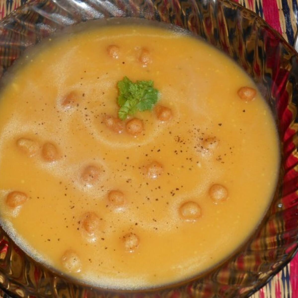 Sárgarépakrém-leves nyultanti konyhájából