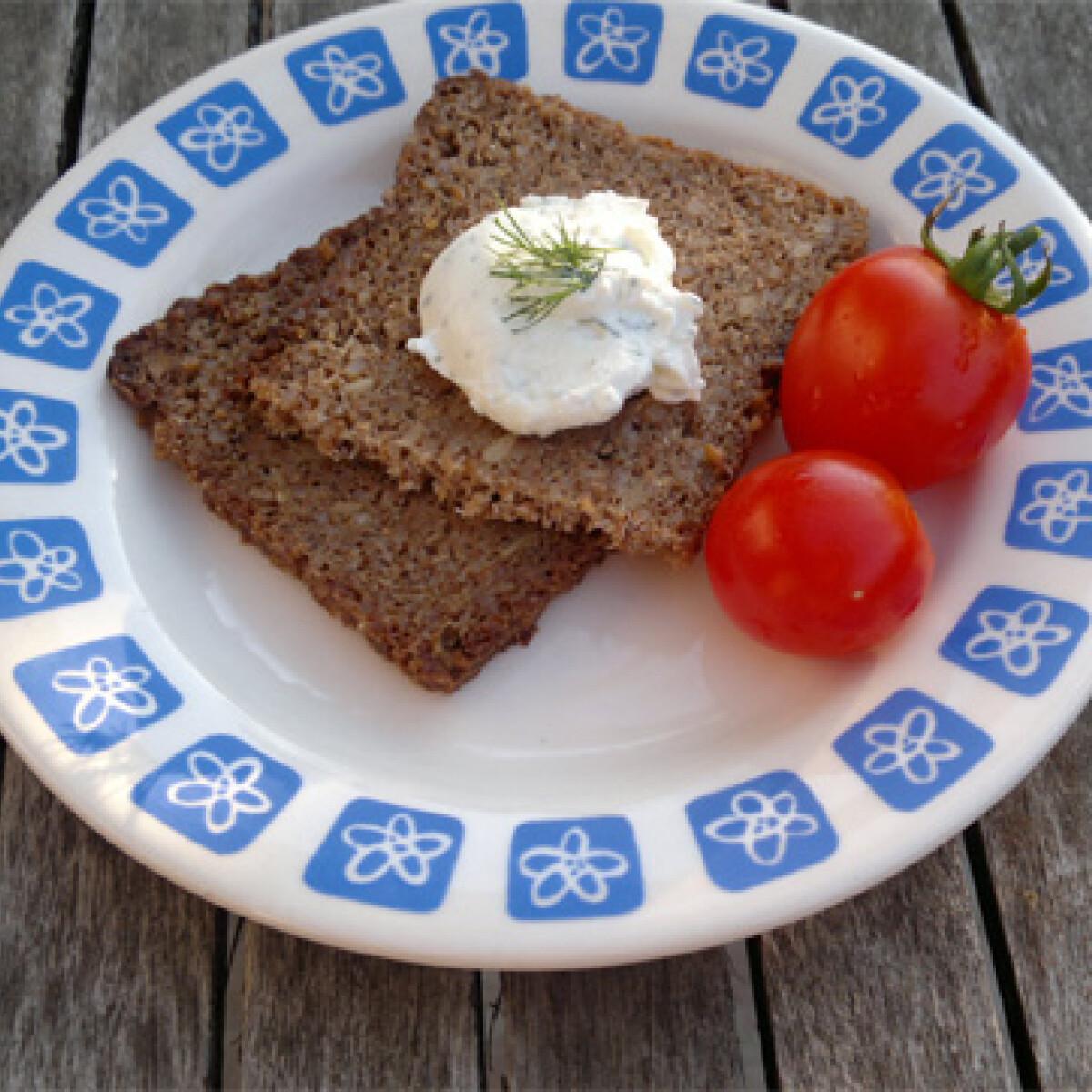 Ezen a képen: Kapros-túrós reggelizőkrém