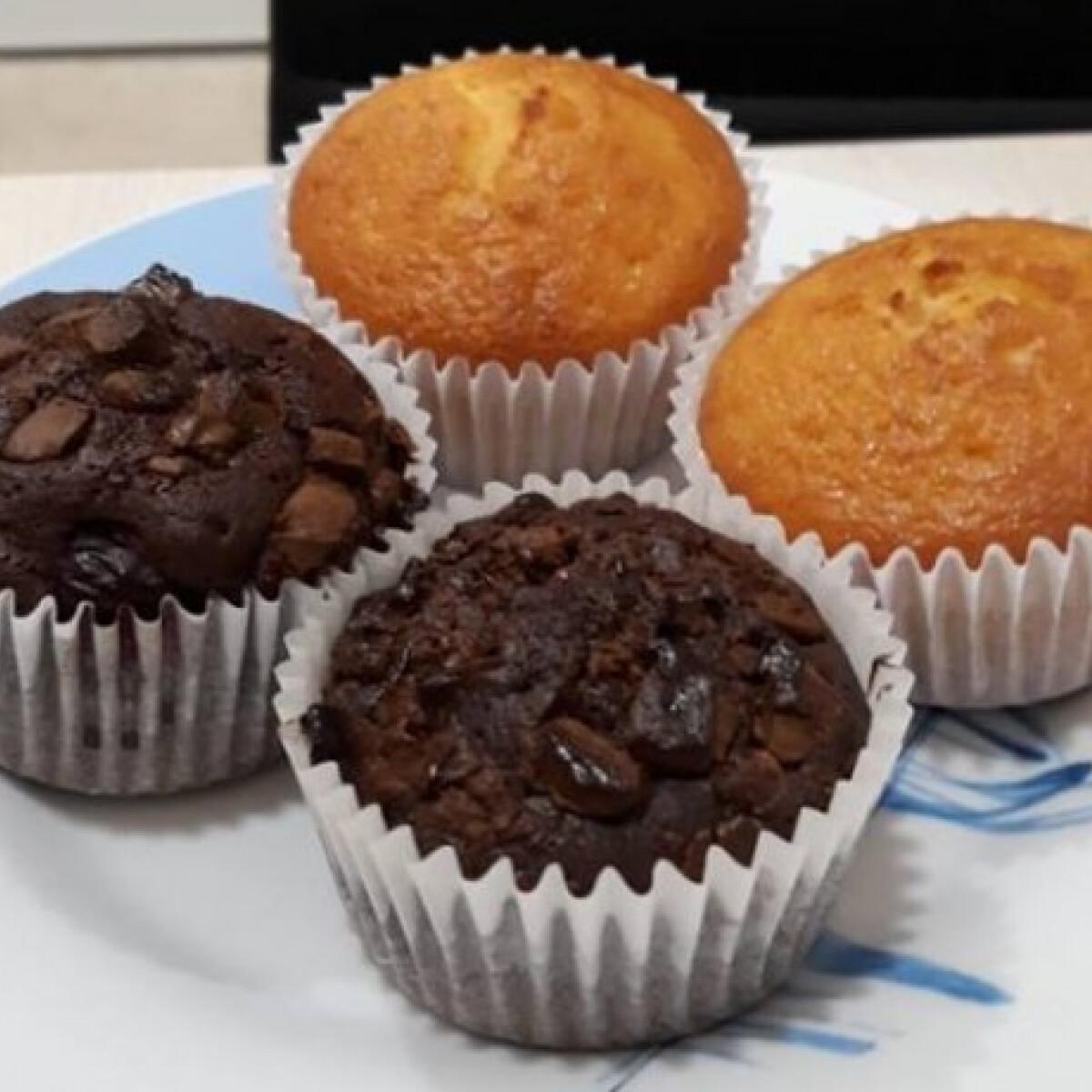 Ezen a képen: Csokis és meggyes muffin
