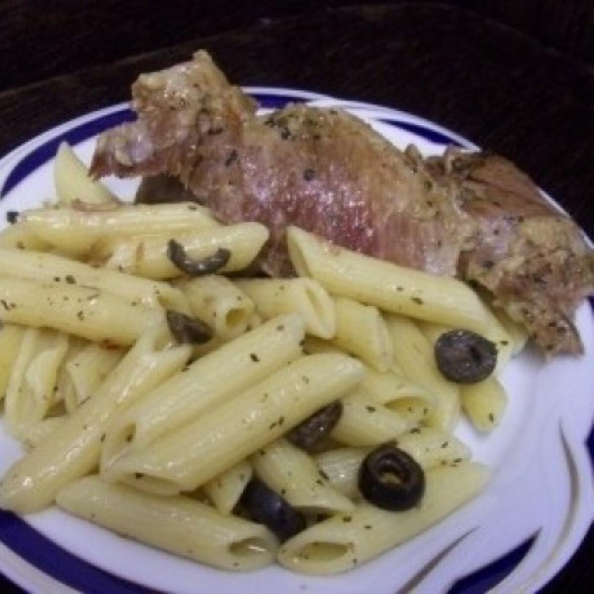 Ezen a képen: Agnello alle olive (Olívás báránysült)