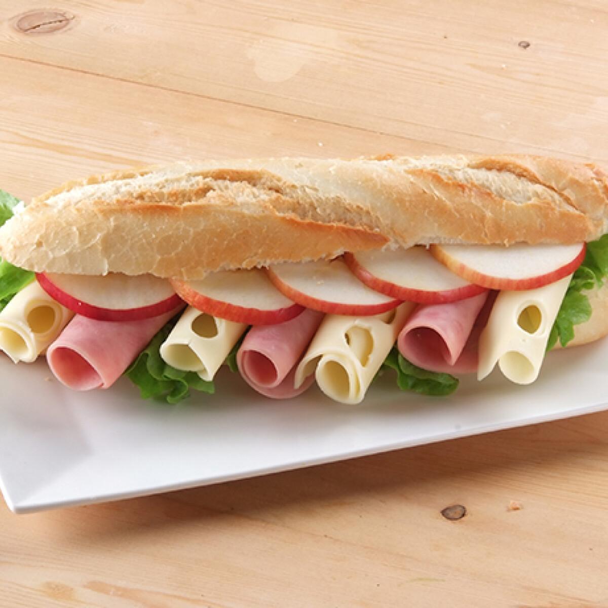 Ezen a képen: Könyvolvasós szendvics