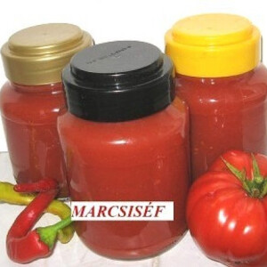 Házi ketchup chilivel és gyömbérrel