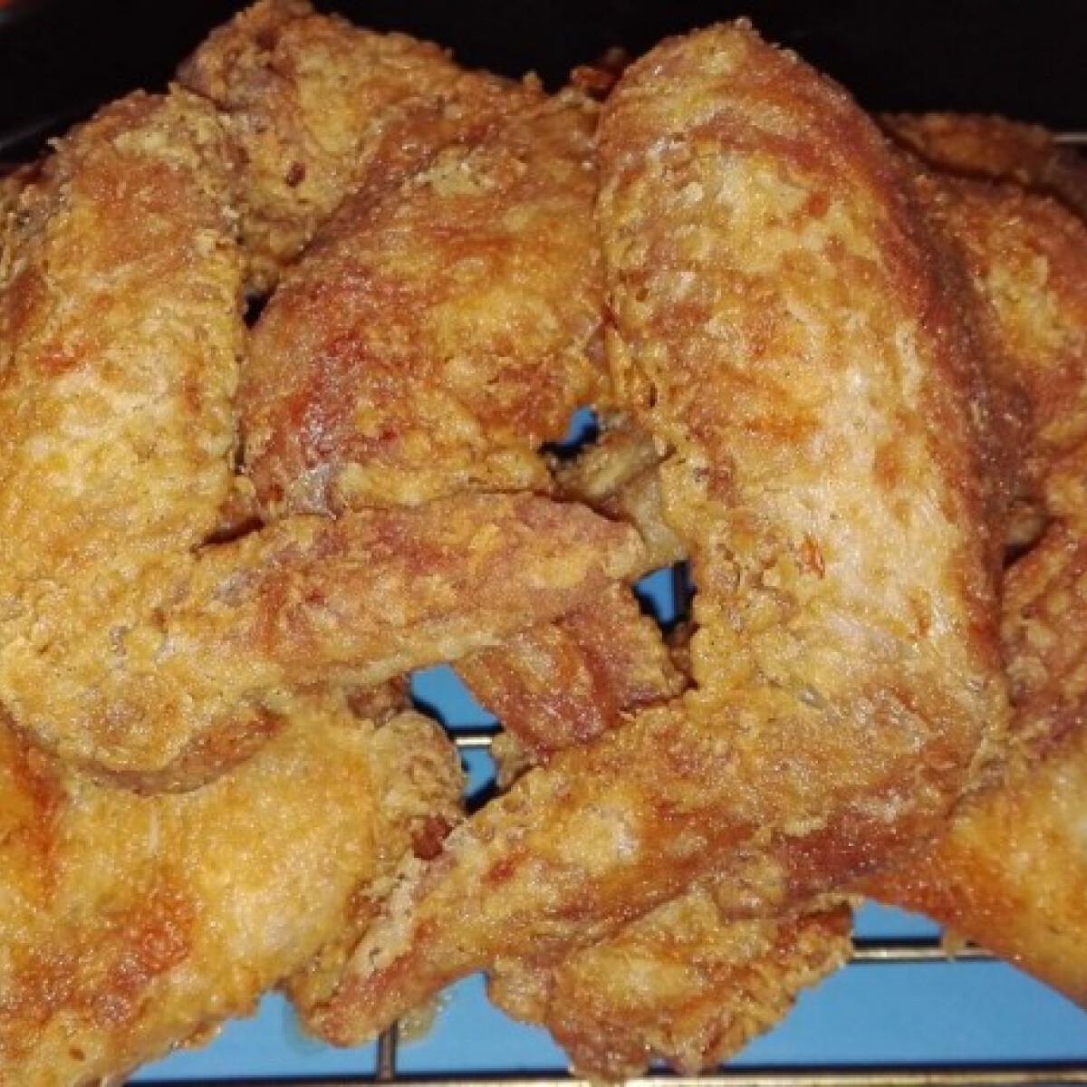 Ezen a képen: Csirkeszárny ropogós bundában