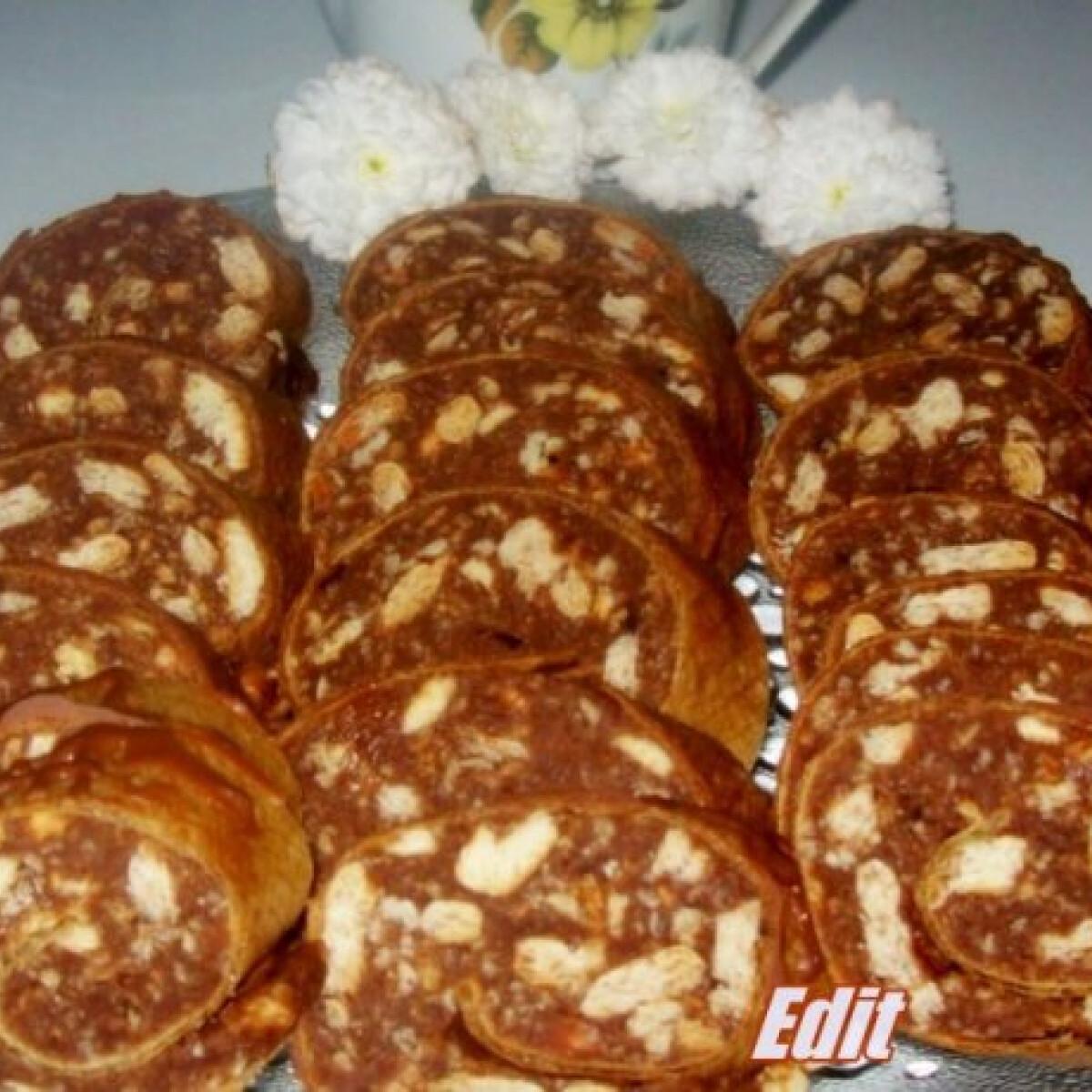 Ezen a képen: Ostyalapos keksz szalámi
