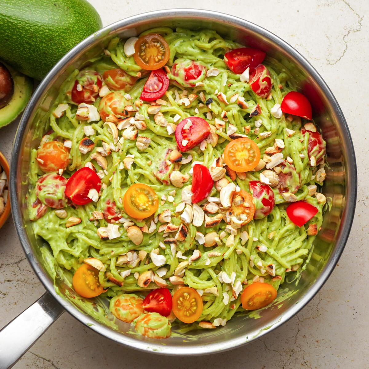 Ezen a képen: Szupergyors avokádókrémes spagetti