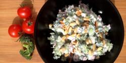 Nyers brokkolisaláta