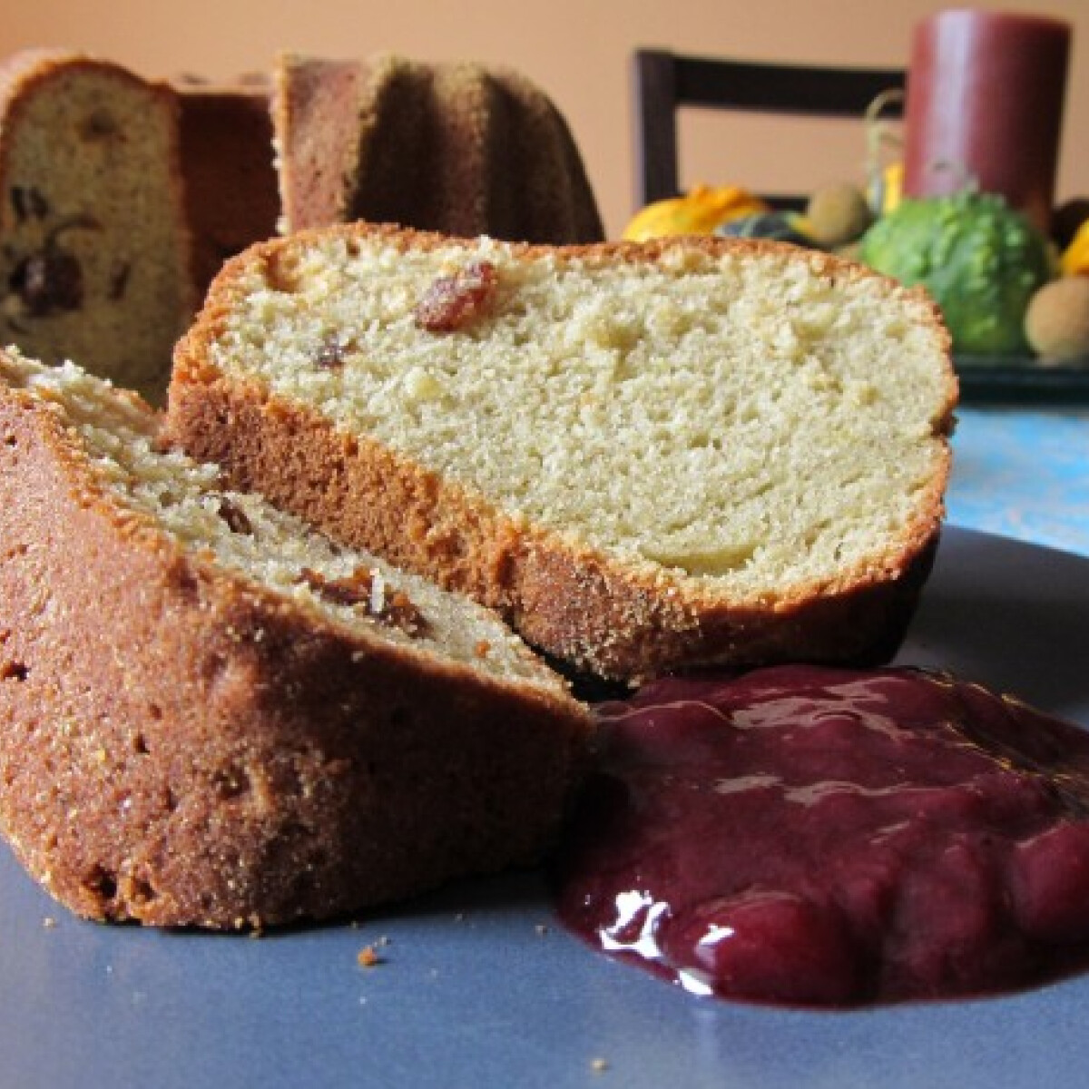 Ezen a képen: Vörösboros-fűszeres kuglóf