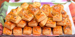 Hajtogatott sajtos kockák
