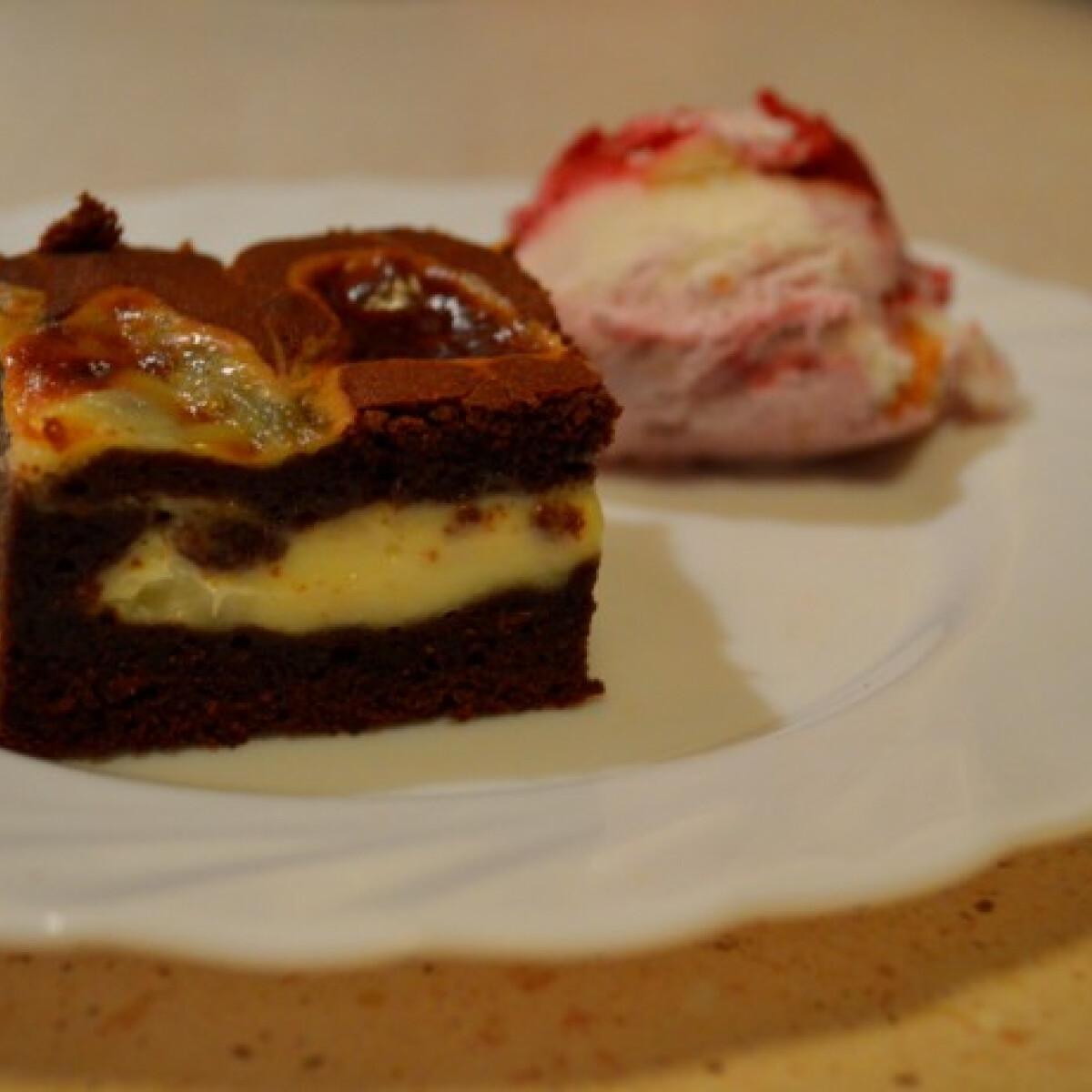 Ezen a képen: Brownie krémsajttal bolondítva