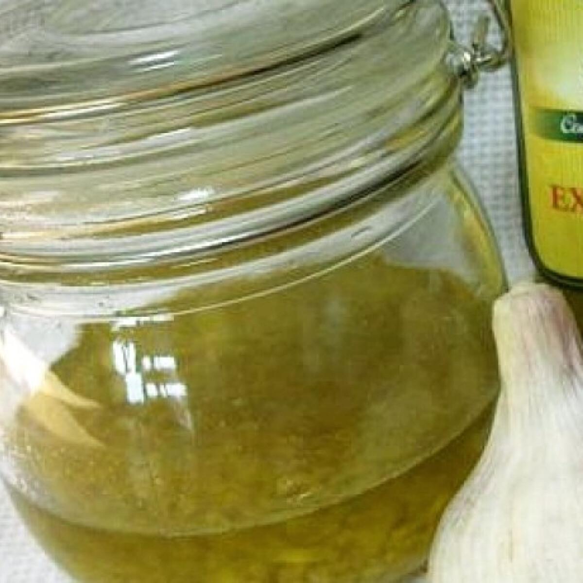 Ezen a képen: Fokhagymás olívaolaj