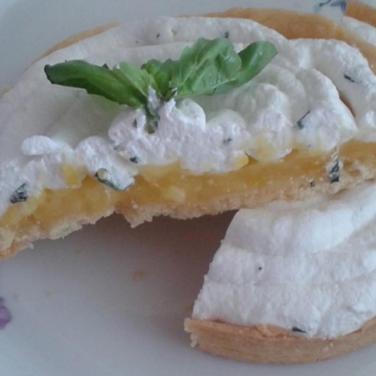 Ezen a képen: Citromkrémes linzerkosár bazsalikomos joghurthabbal