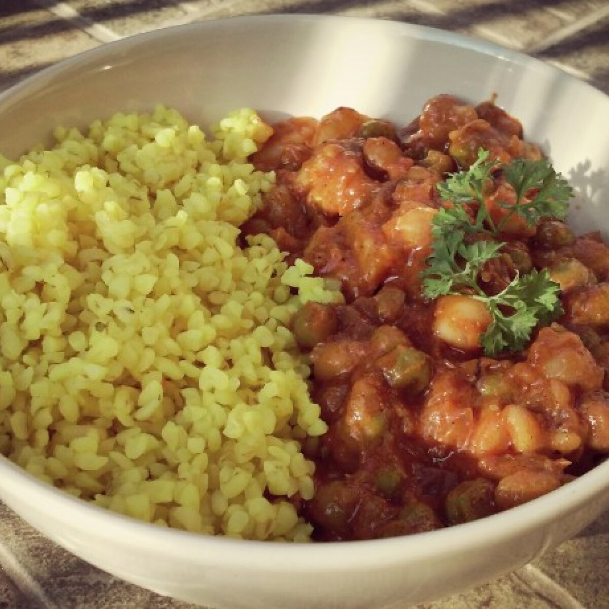 Ezen a képen: Fűszeres vegán curry