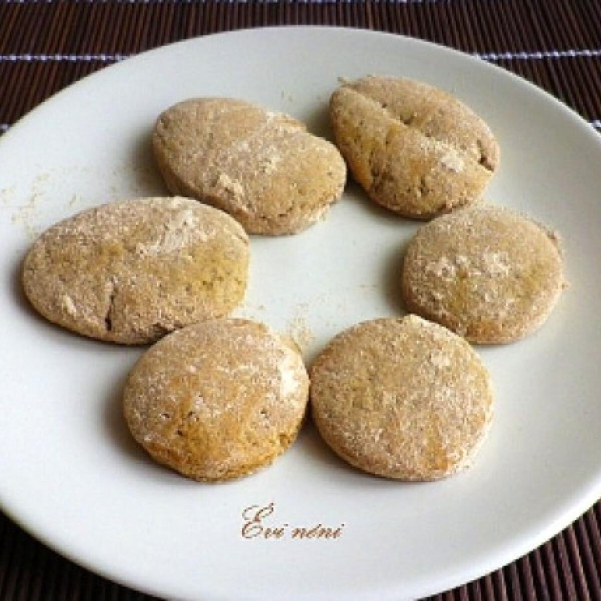 Ezen a képen: Fahéjas keksz Évi nénitől