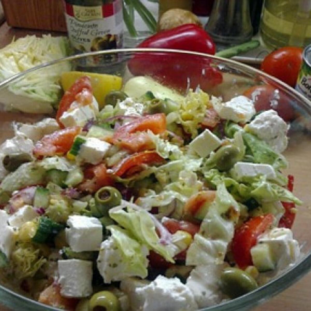 Ezen a képen: Görög saláta Emi konyhájából