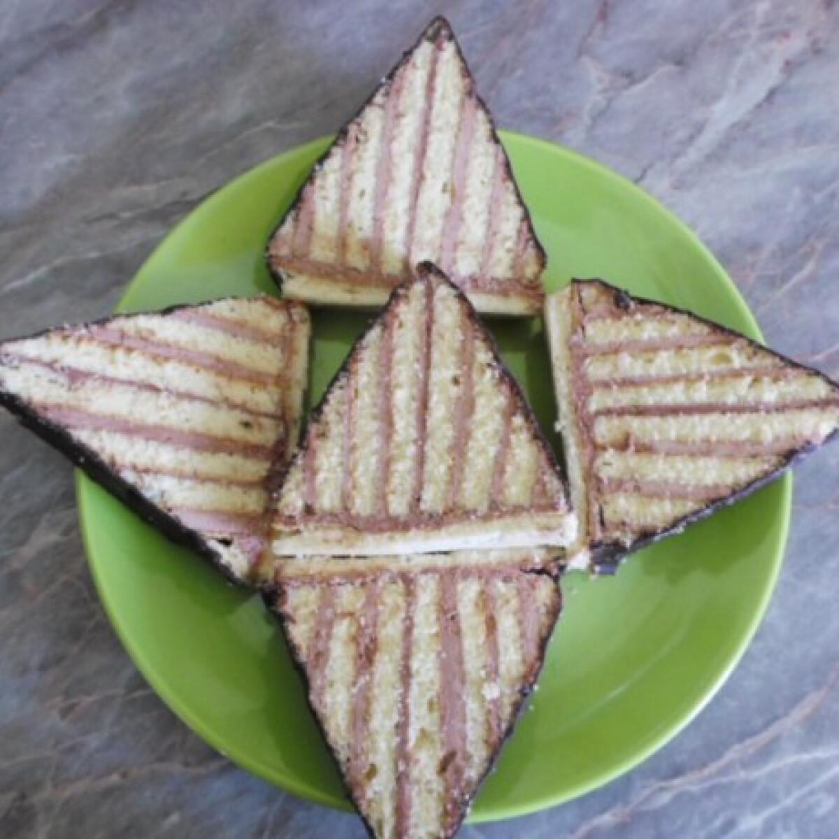 Ezen a képen: Piramis szelet
