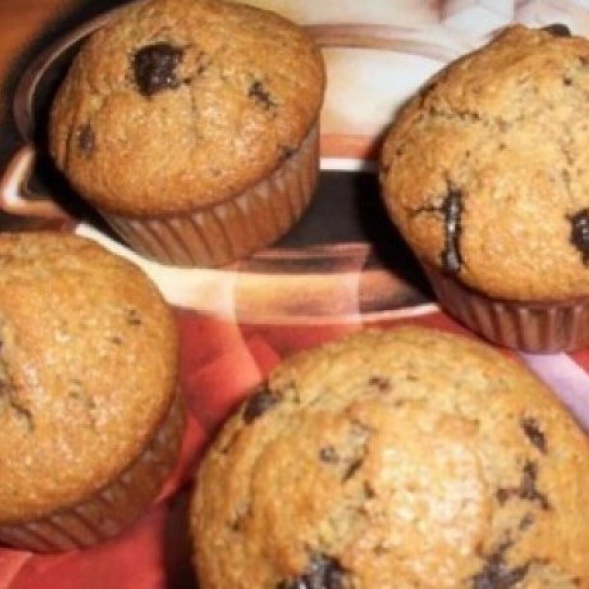 Ezen a képen: Amerikai muffin mogyoróval