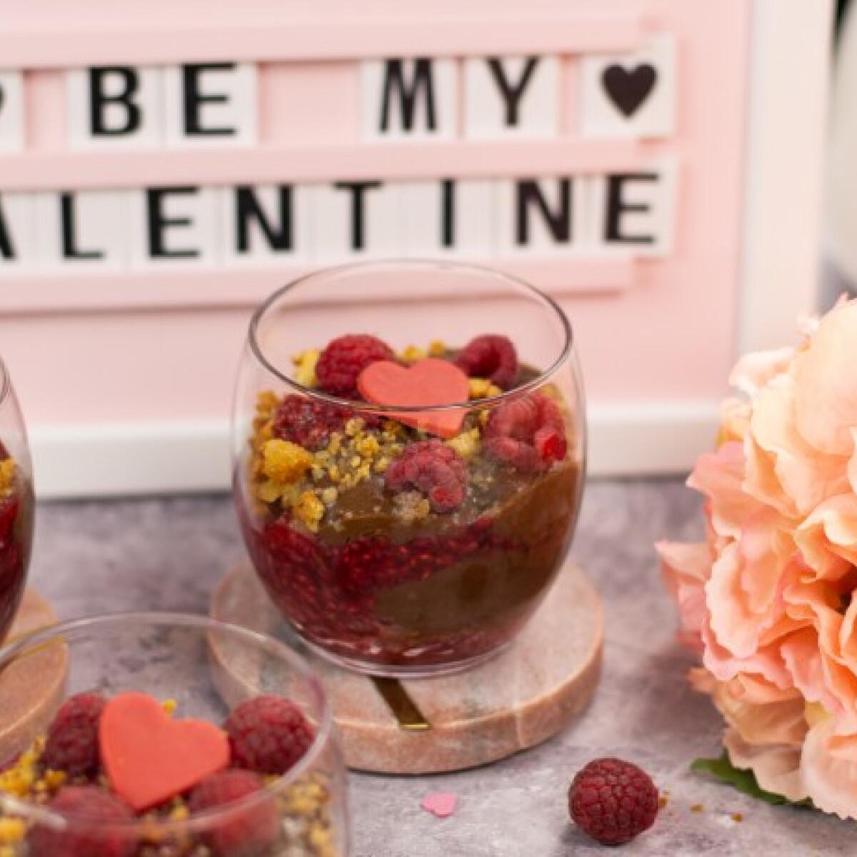 Ezen a képen: Valentin-napi pohárkrém