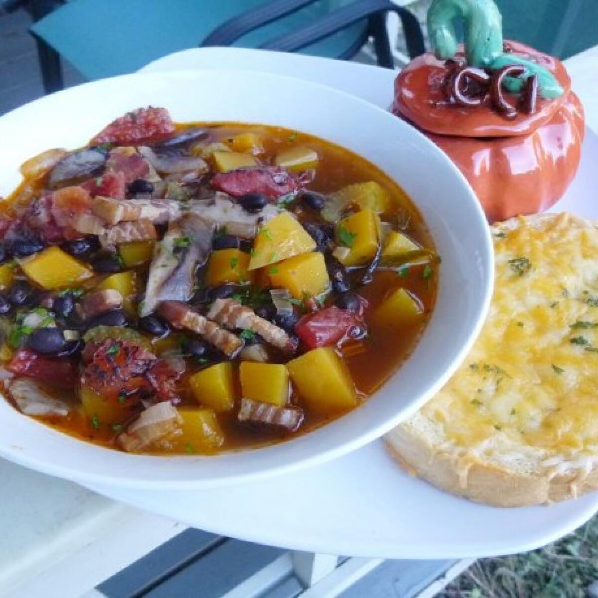 Ezen a képen: Színes őszi leves