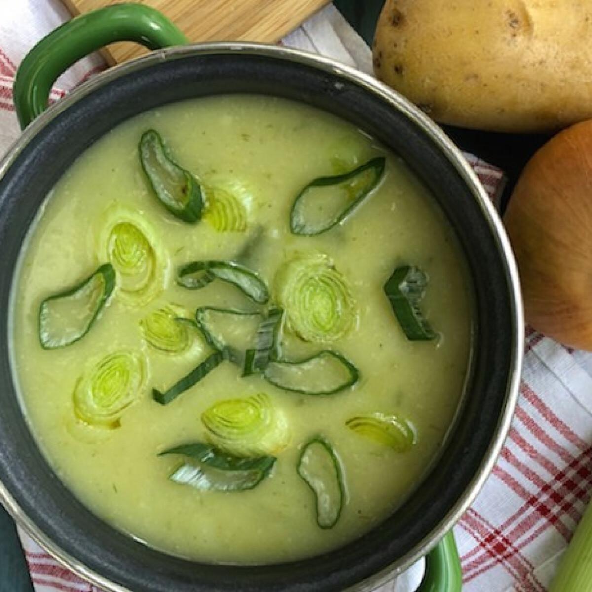 Ezen a képen: Háromhagymás leves