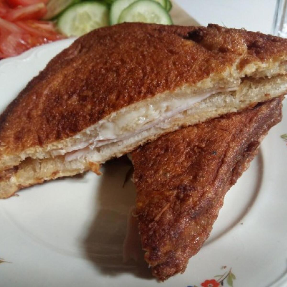 Ezen a képen: Töltött bundás kenyér