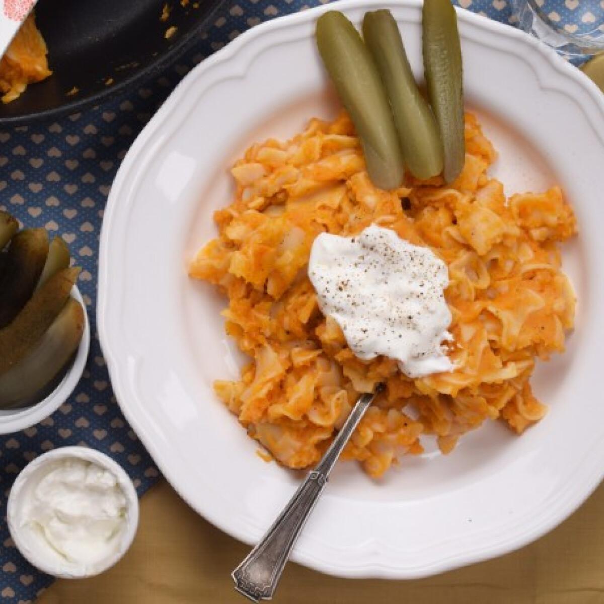 Ezen a képen: Grenadírmars, azaz krumplis tészta
