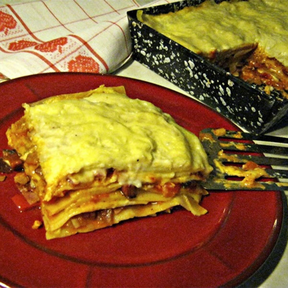 Ezen a képen: Lasagne Iluska konyhájából