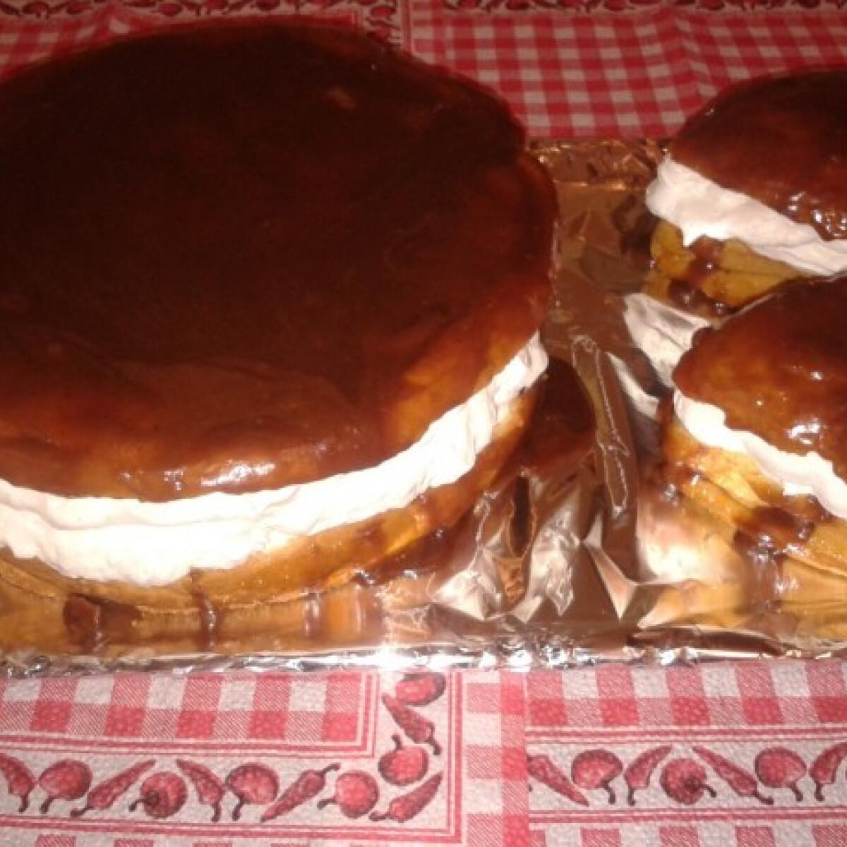 Ezen a képen: Indiáner torta és tortácskák karamellmázzal