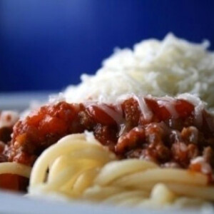 Bolognai spagetti kölköknek