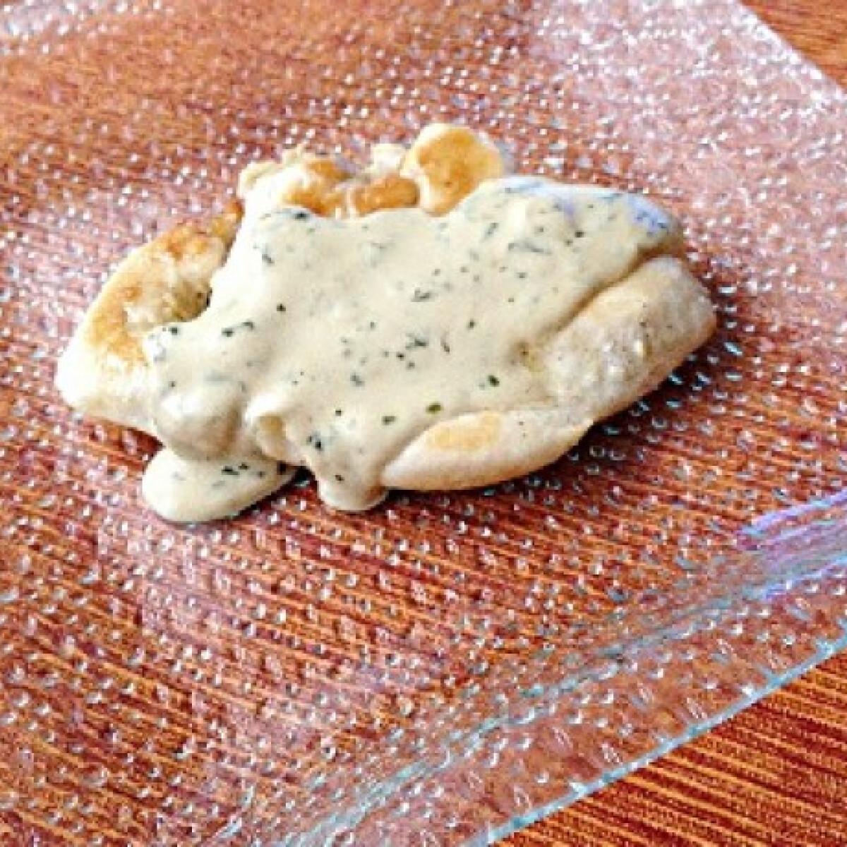 Ezen a képen: Pirított csirke mustáros mártással