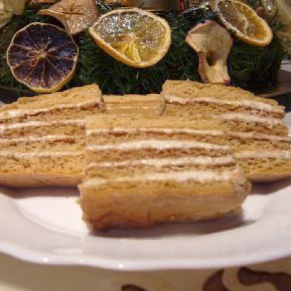 Ezen a képen: Mézes torta