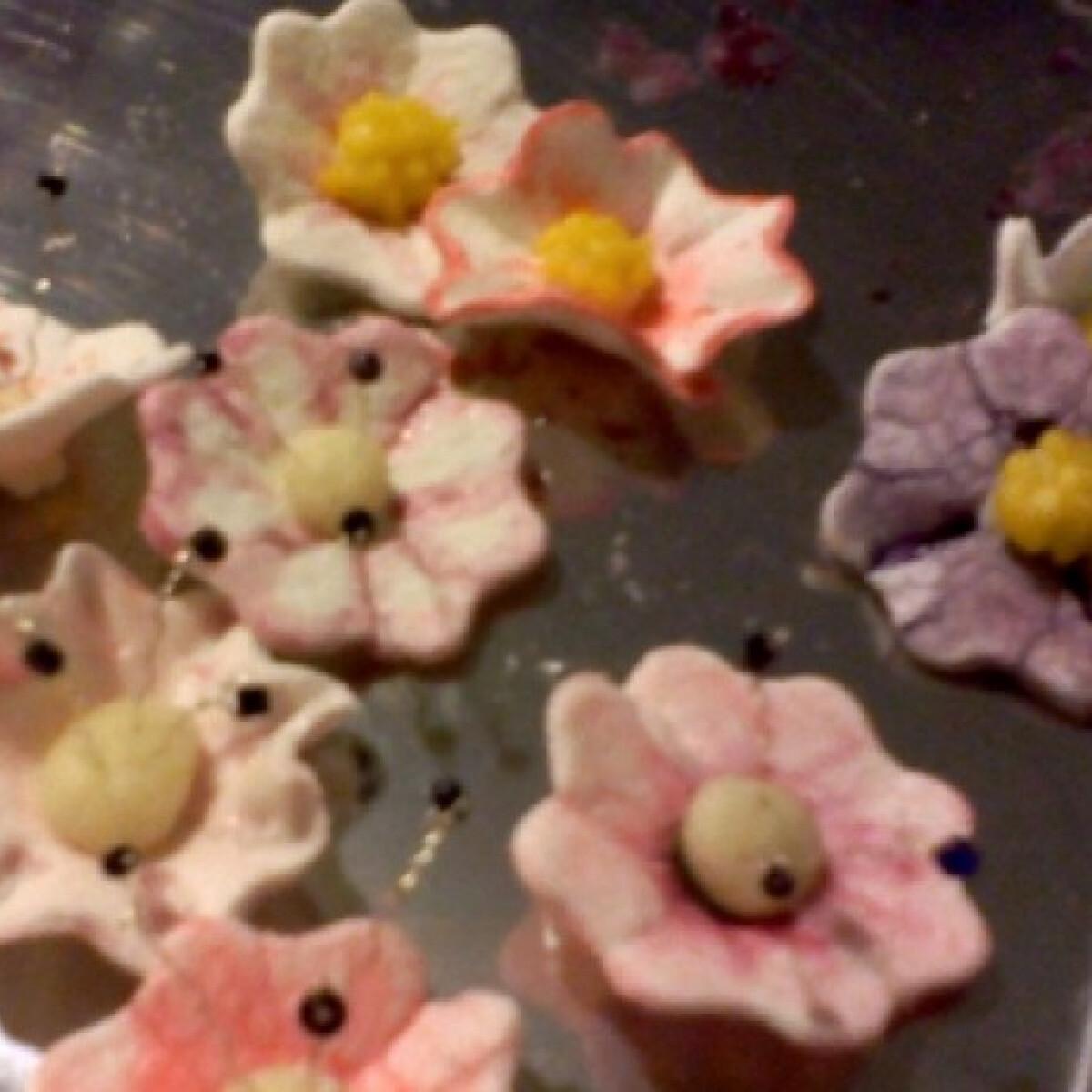 Ezen a képen: Cukorvirágok