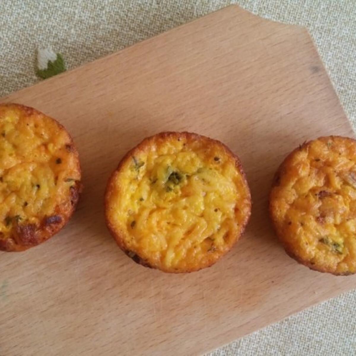 Ezen a képen: Rántotta muffin
