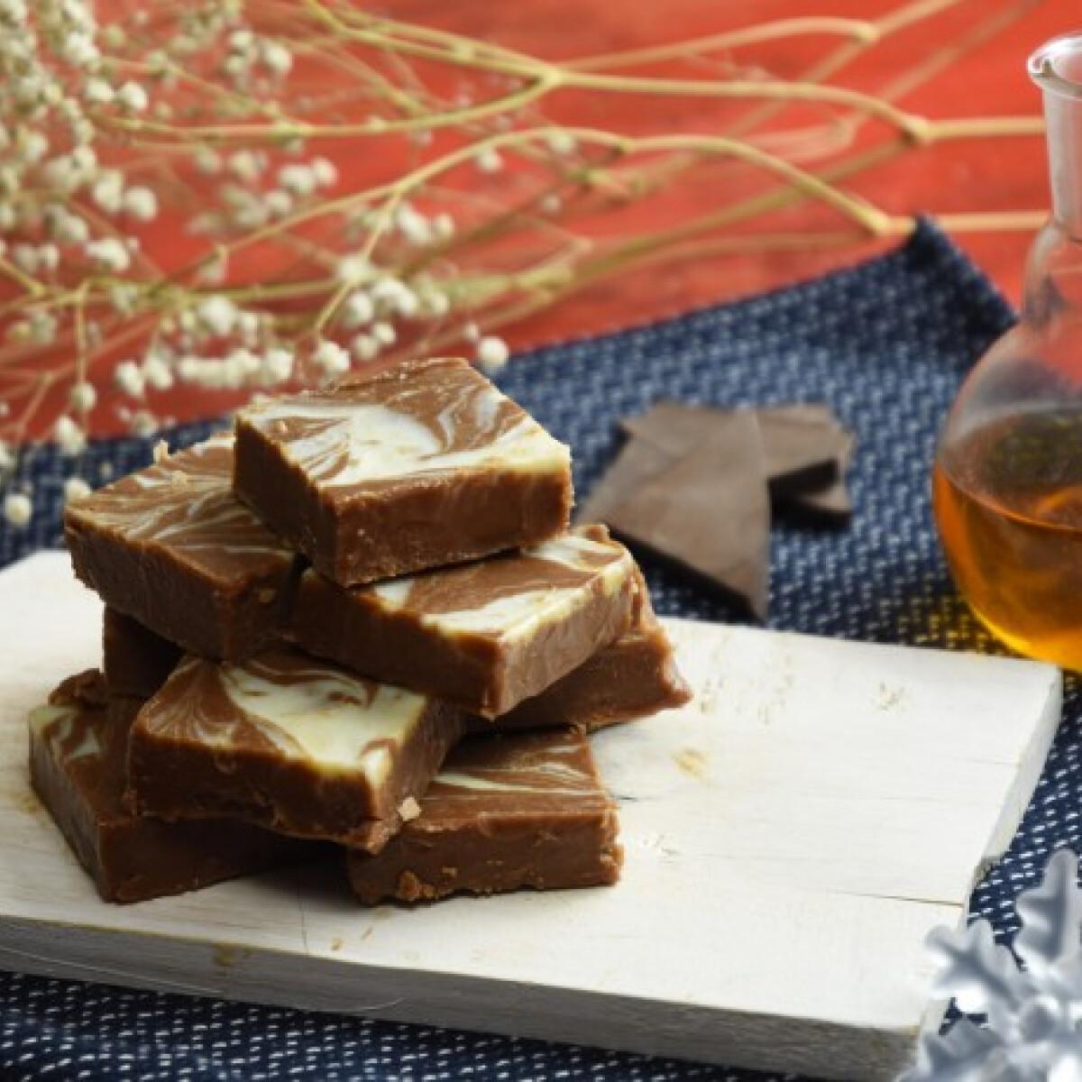 Ezen a képen: Egyszerű whiskys csokoládéfudge