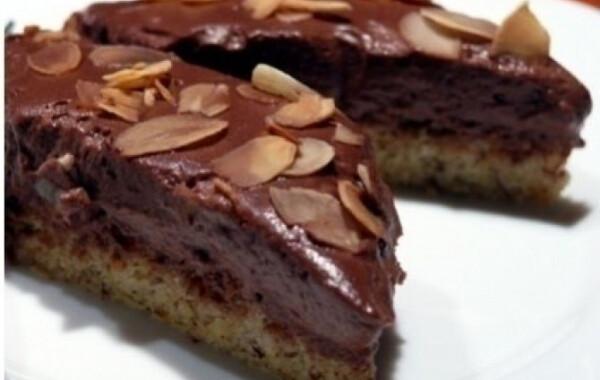 Mandulás-csokis piskóta