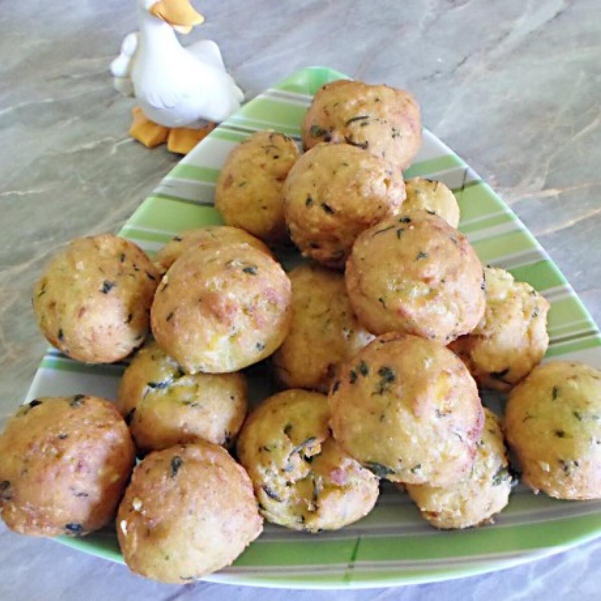 Ezen a képen: Medvehagymás krumpligombóc