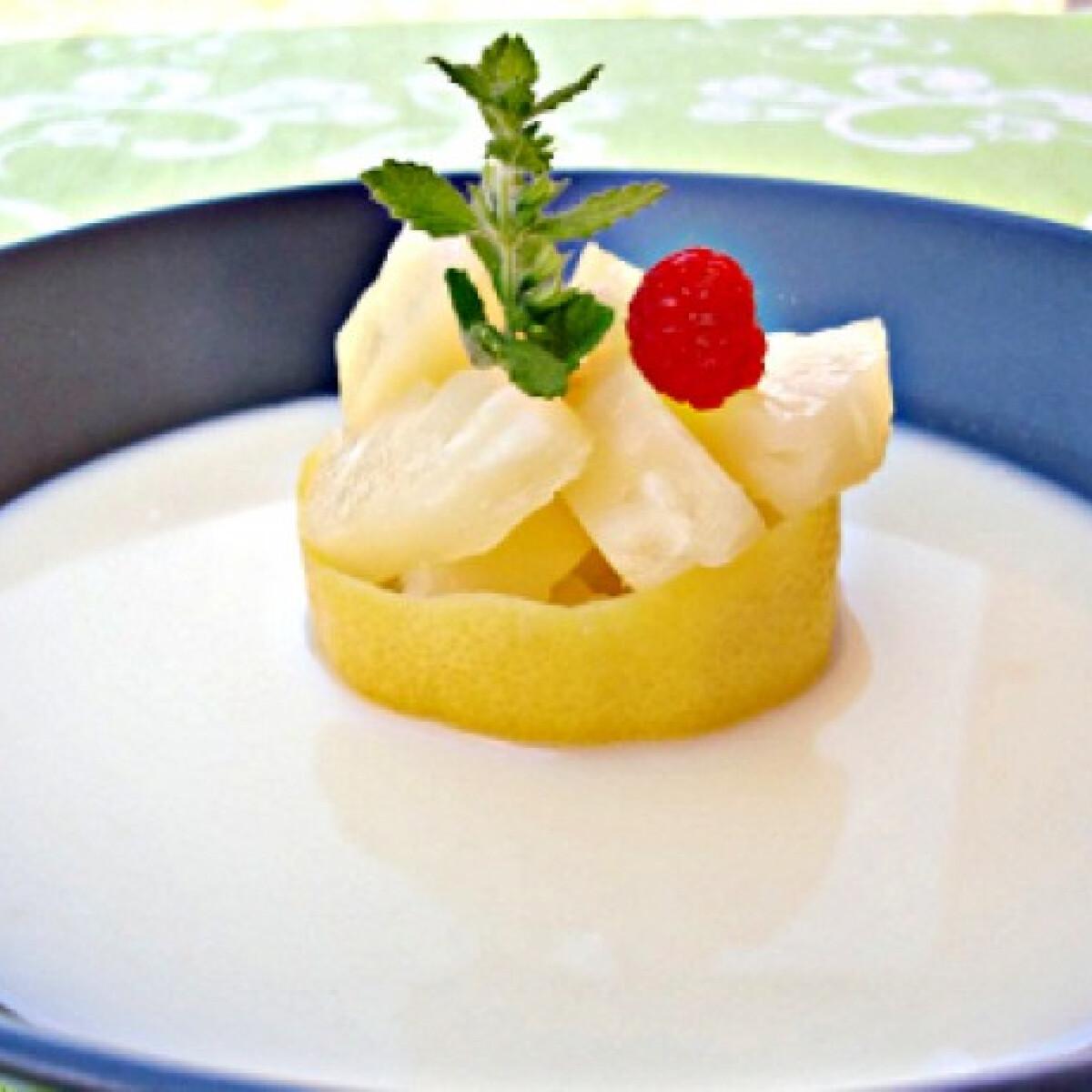 Ezen a képen: Hűsítő citromleves