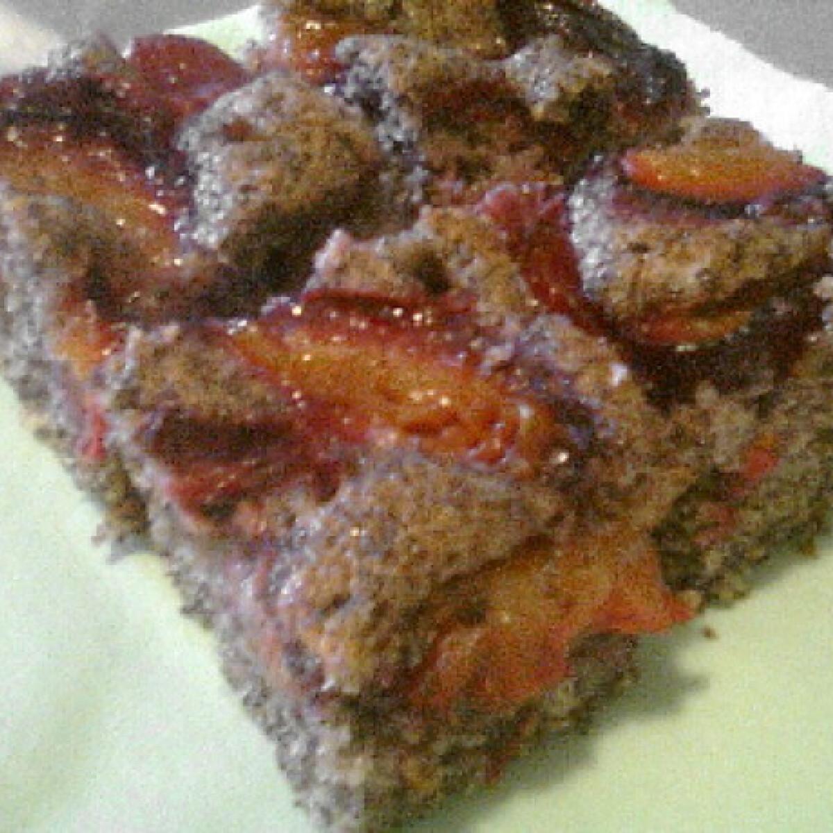 Ezen a képen: Szilvás-mákos sütemény