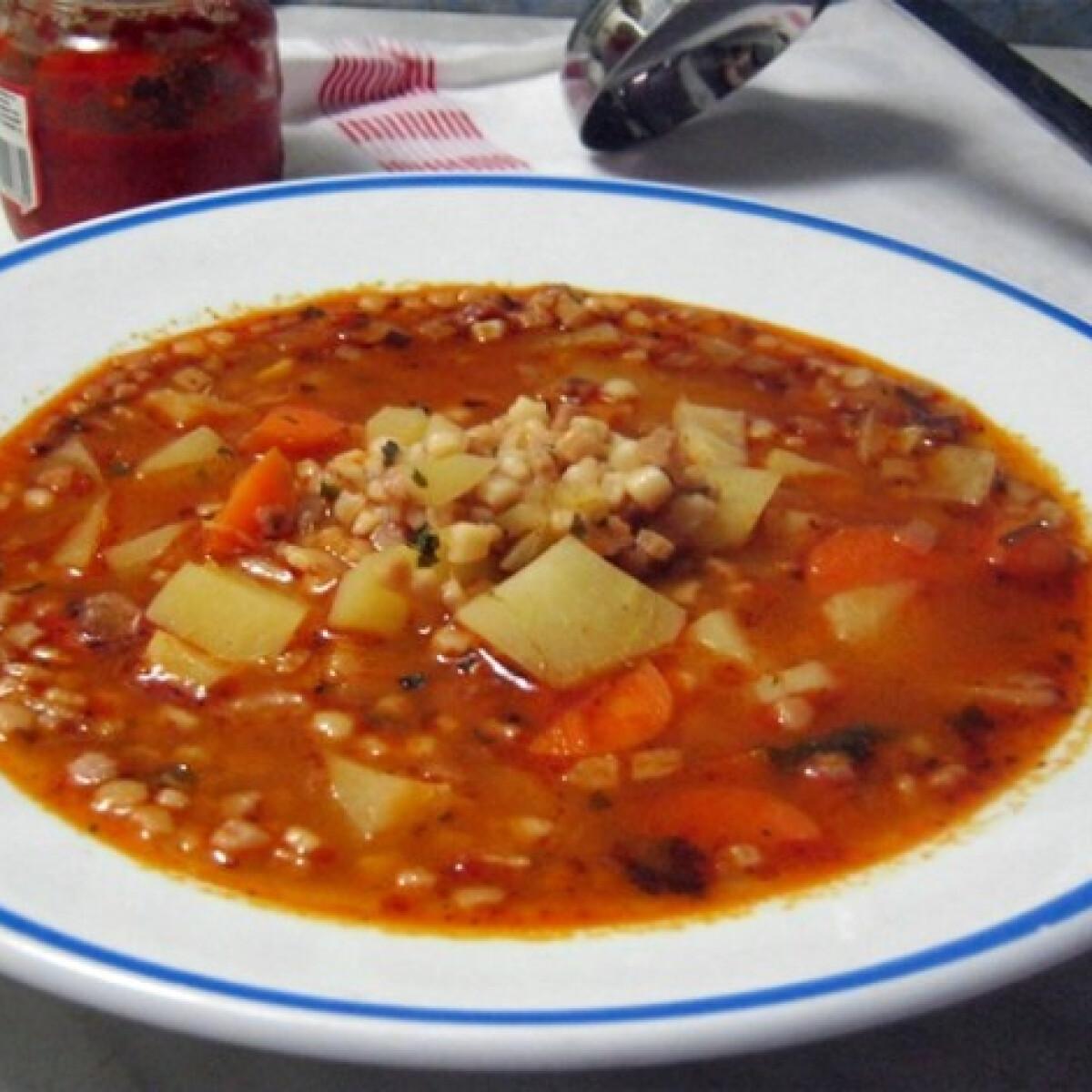Ezen a képen: Tarhonyaleves zöldséggel Iluska konyhájából