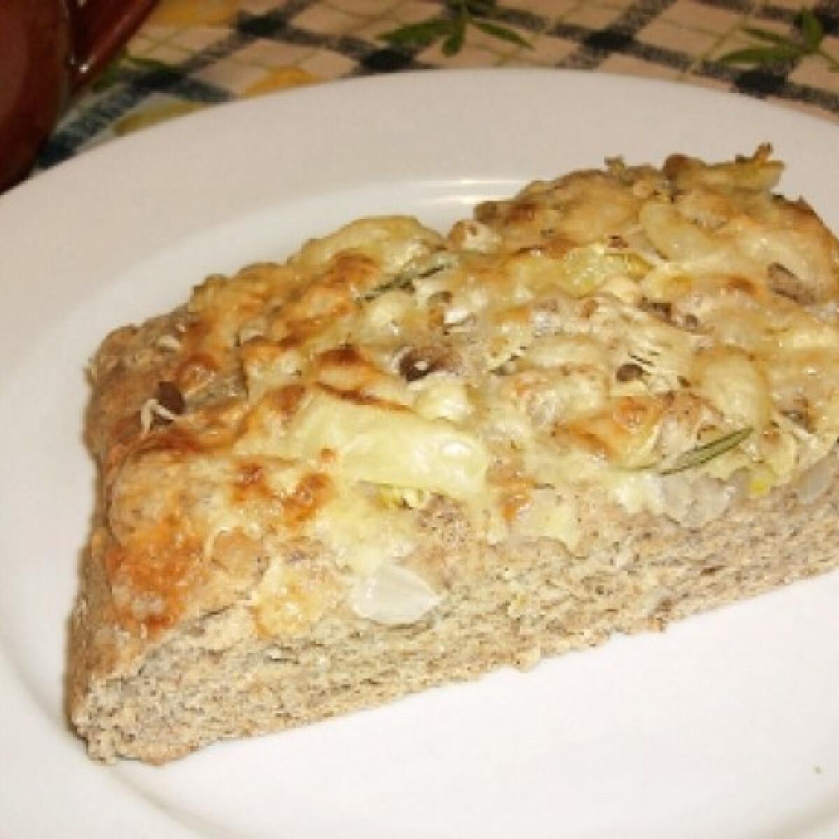 Ezen a képen: Hagymás kenyérlepény