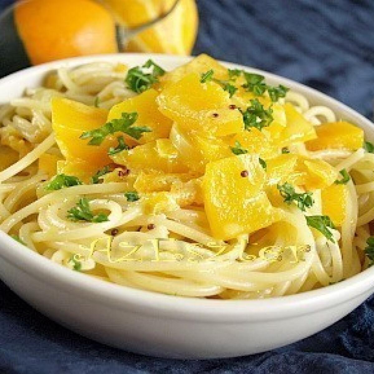 Ezen a képen: Sütőtökös spagetti