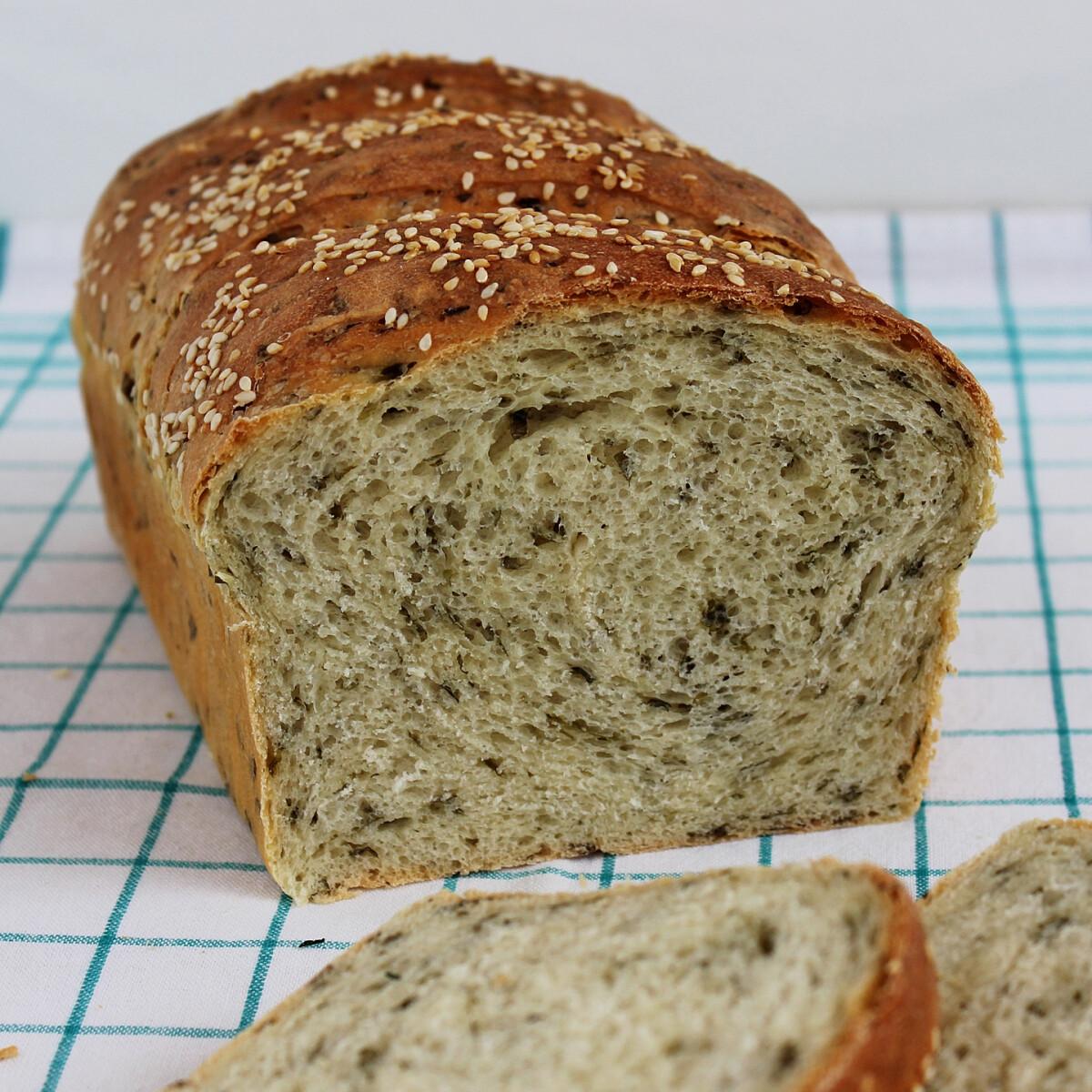 Ezen a képen: Medvehagymás kenyér