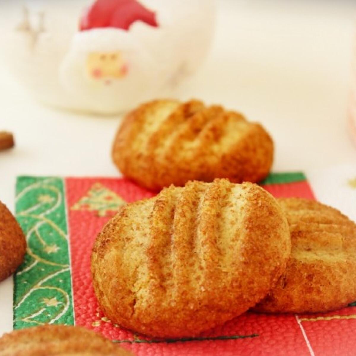 Ezen a képen: Fahéjas keksz Gizitől
