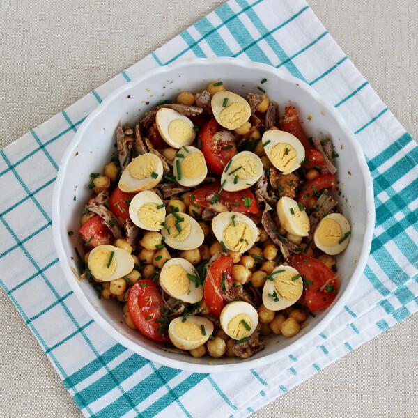 csicseriborso-salata-chilis-furjtojassal