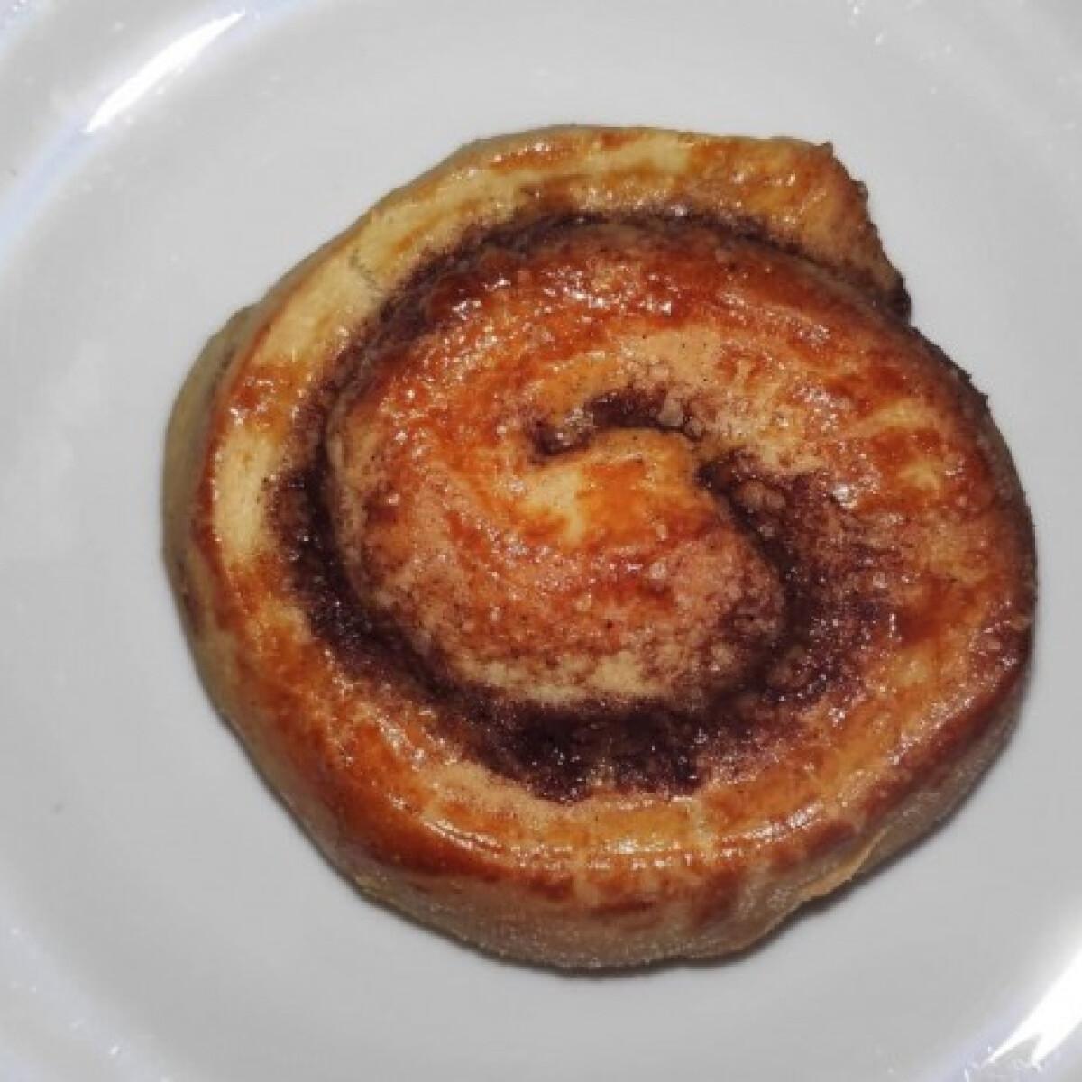 Ezen a képen: A legpuhább kelt tészta - fahéjas csiga